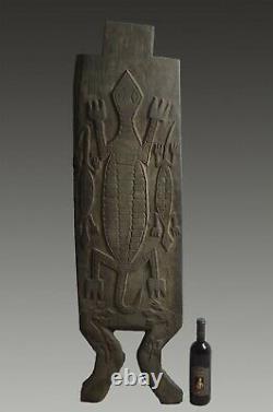 Carved door panel Atoni West Timor tribal primitive ethnographic
